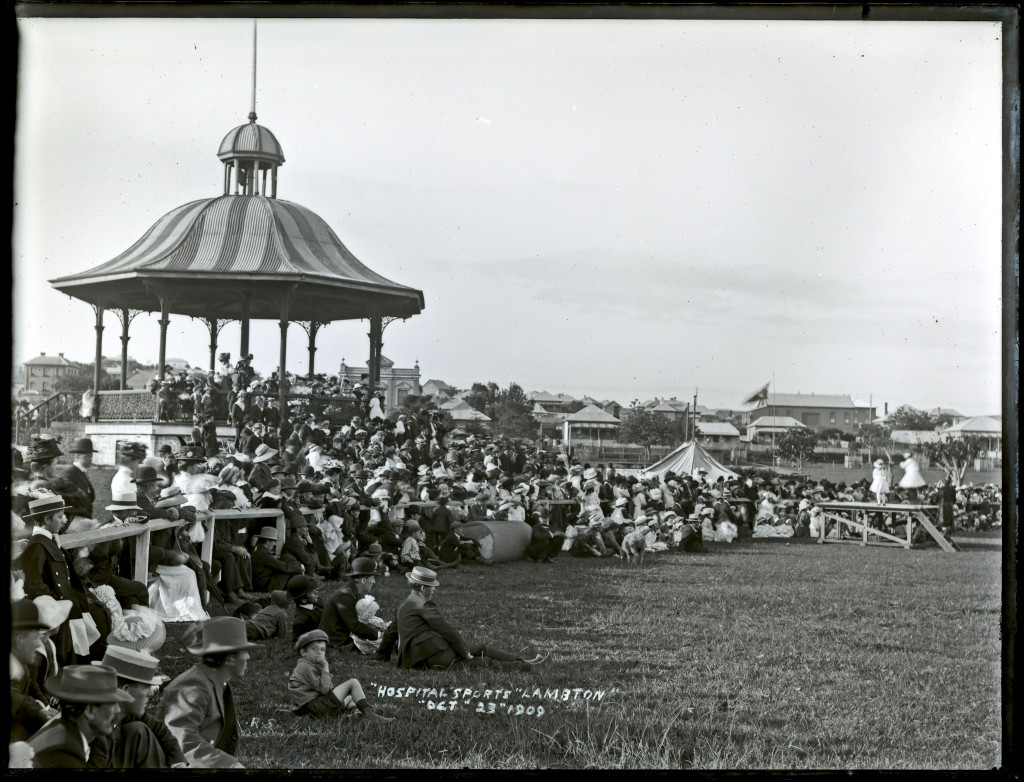 Lambton Park Rotunda. Ralph Snowball, University of Newcastle Cultural Collections