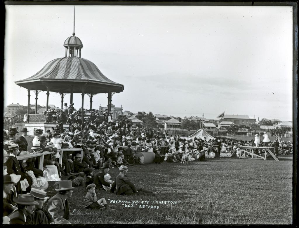 Lambton Park Rotunda. Ralph Snowball, University of Newcastle Cultural Collections