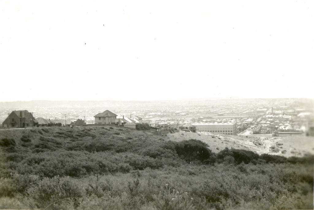 The Hill (Newcastle) looking west. c. 1940s. University of Newcastle Cultural Collections