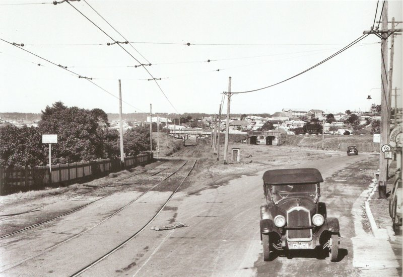 "Howe St, June 1938. From ""Destination Newcastle"", courtesy of Greg and Sylvia Ray."
